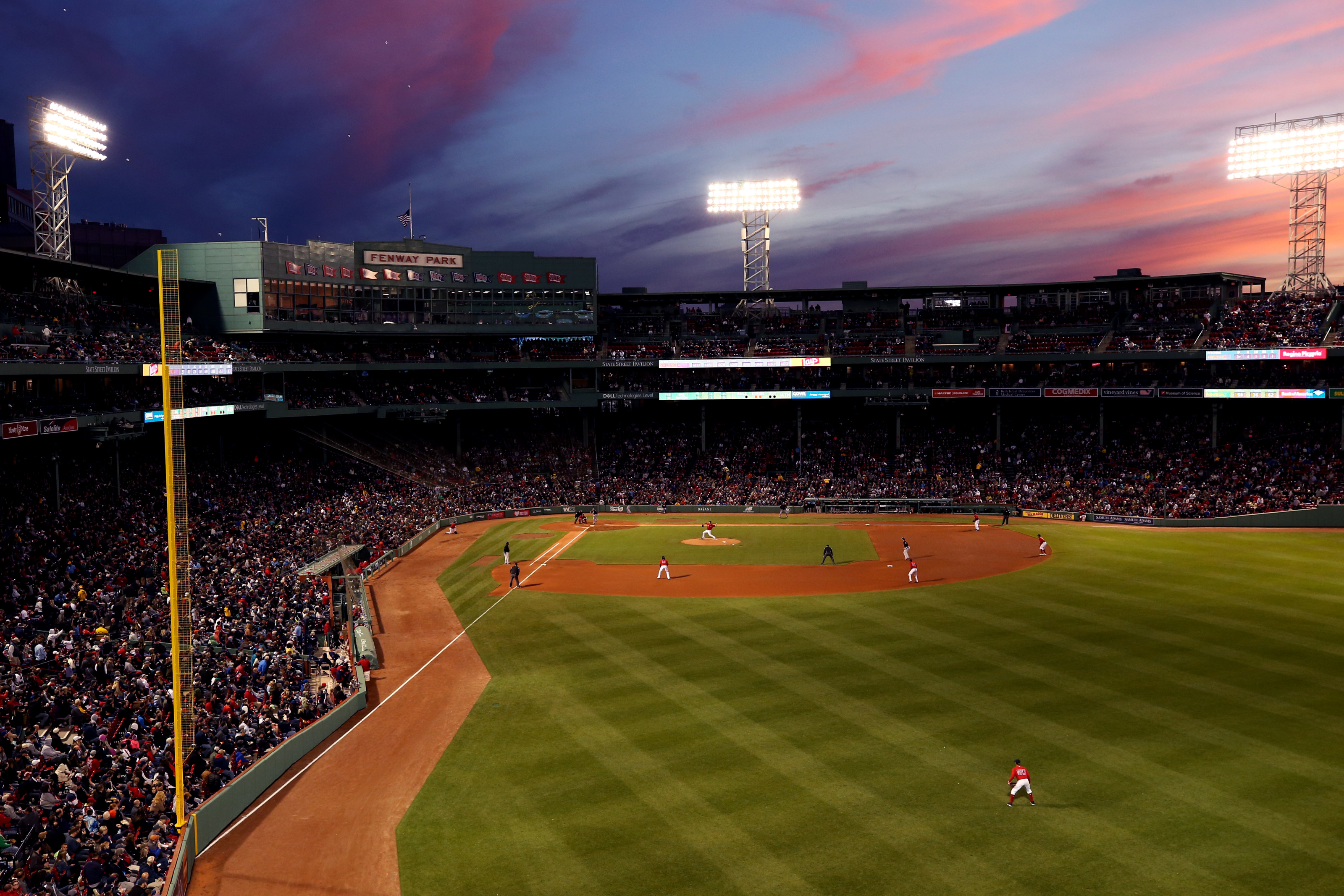 Red Sox Ticket Prices Are Being Raised 2 5 For 2019 Season